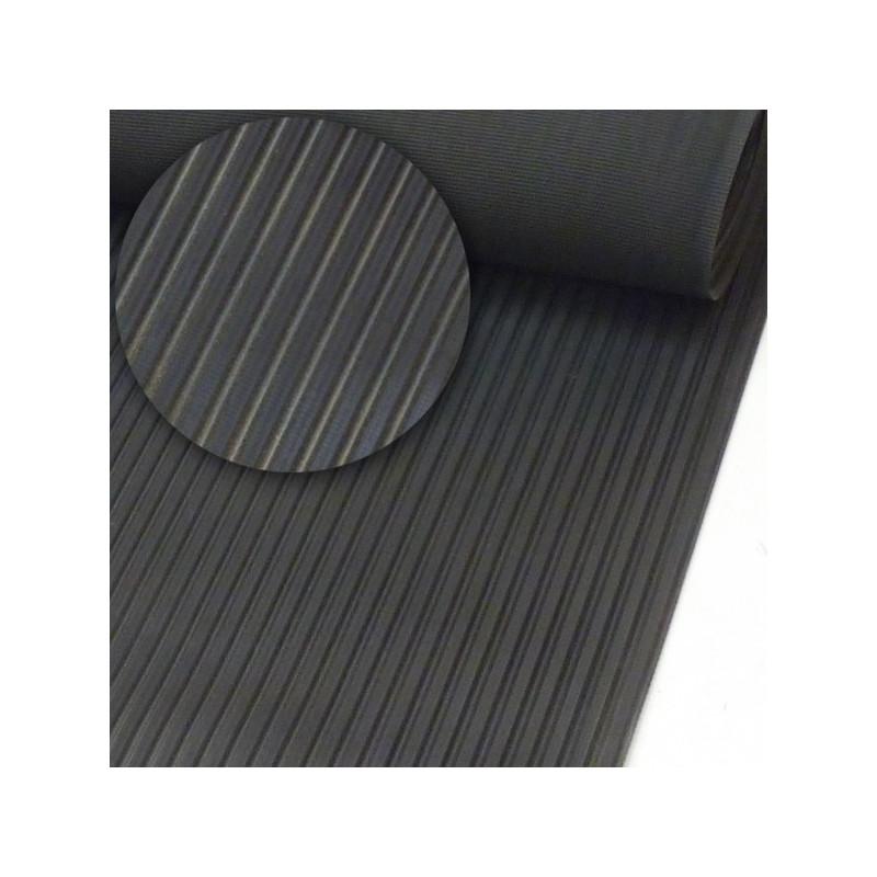 tapis de sol en caoutchouc noir stries larges. Black Bedroom Furniture Sets. Home Design Ideas