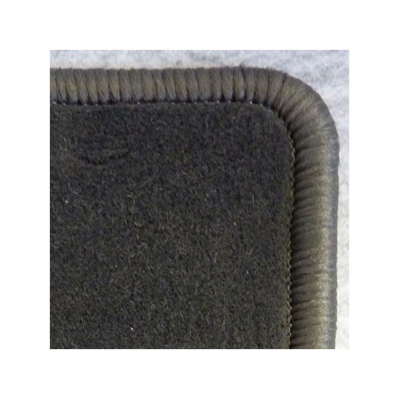 tapis auto avants arri res sur mesure en moquette velours surjet e. Black Bedroom Furniture Sets. Home Design Ideas