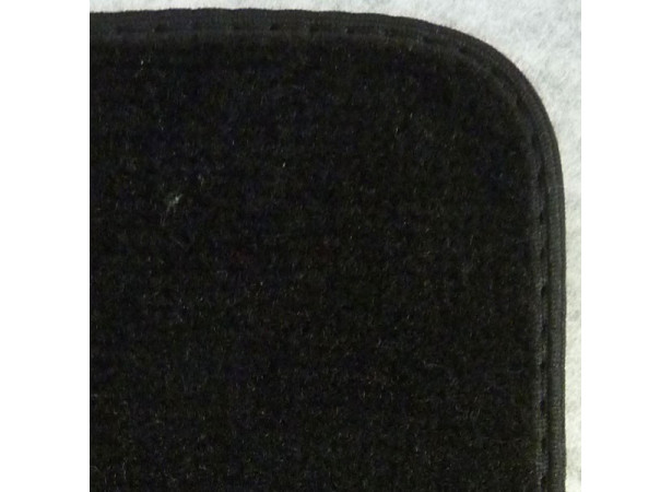 tapis auto avants sur mesure en velours bord. Black Bedroom Furniture Sets. Home Design Ideas