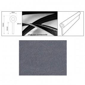 Passepoil réalisé avec le simili bleu gris grain fin auto-extensible