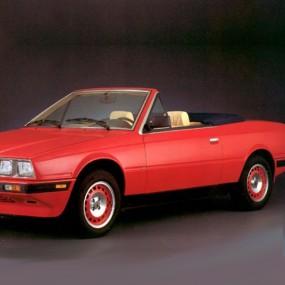 Couvre-capote en Vinyle noir pour Maserati BiTurbo cabriolet