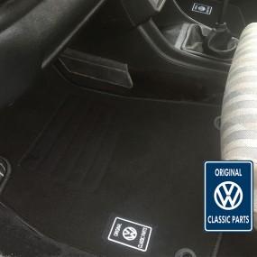 Tapis sur-mesure Classic Parts® VW GOLF 1 cabriolet en moquette velours (avants+arrières)